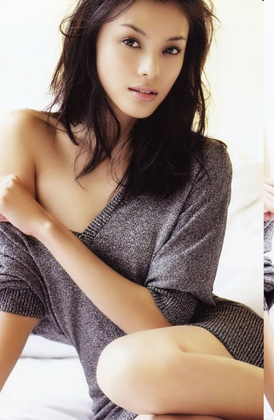 Carmen Soo Wai Mun in Hot Bikini Photoshoot images