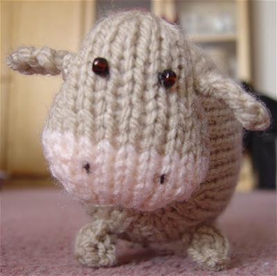 Cow Knitting Pattern : 1000+ images about Knit Me A Hand. on Pinterest