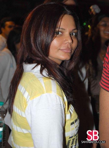 Its Rakhi Sawant without make-up