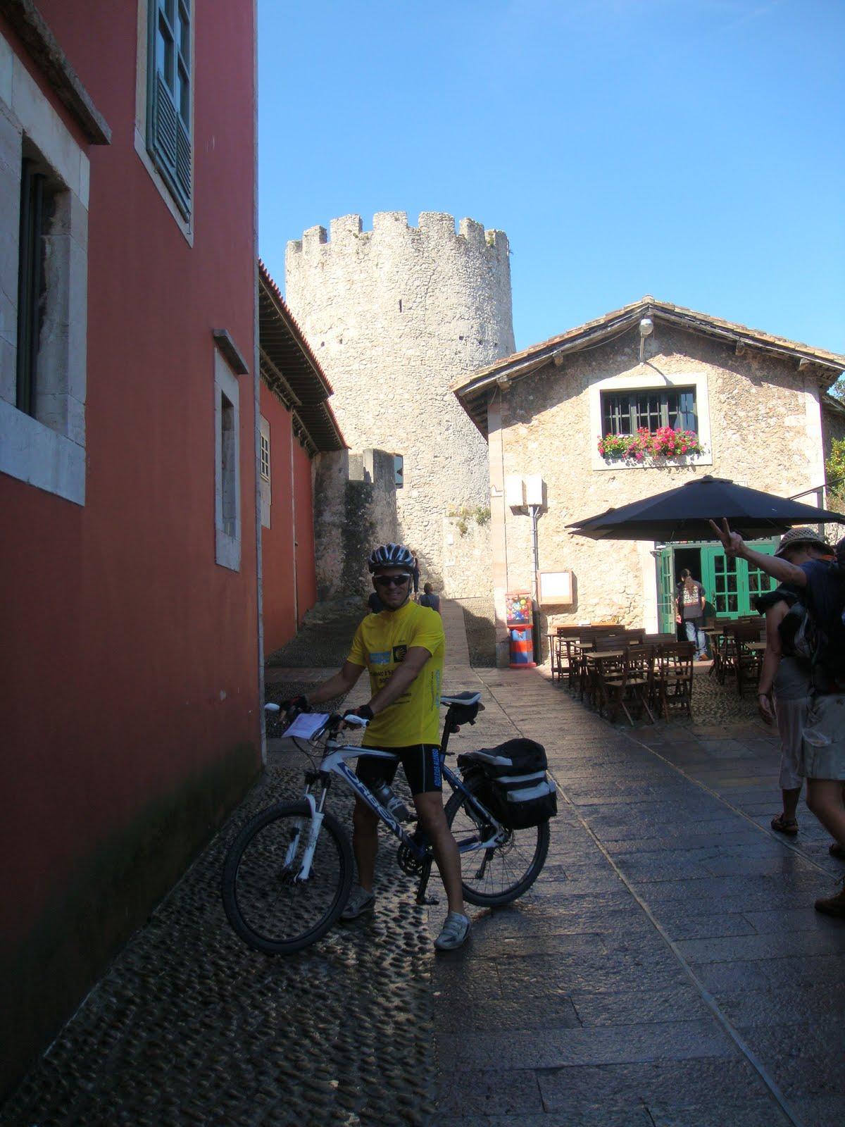 Camino de santiago 2010 juanra 2 etapa comillas for Oficina turismo llanes