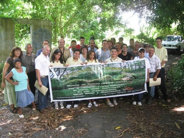 Vista  Publica:  Camino  Real  y  Punta  Toro -  Maunabo
