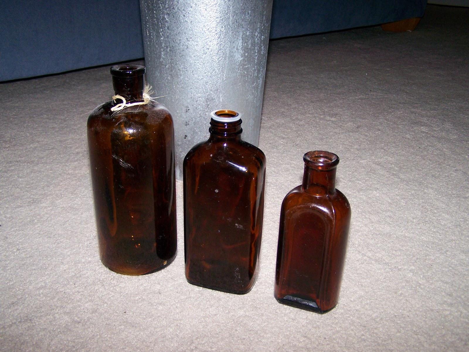 How sweet it is halloween hallow 39 s eve fun mantle for Halloween medicine bottles