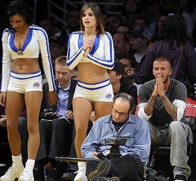 Beckham mirando sapos
