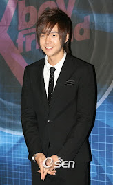 Jang geun suk w/ his cool suit