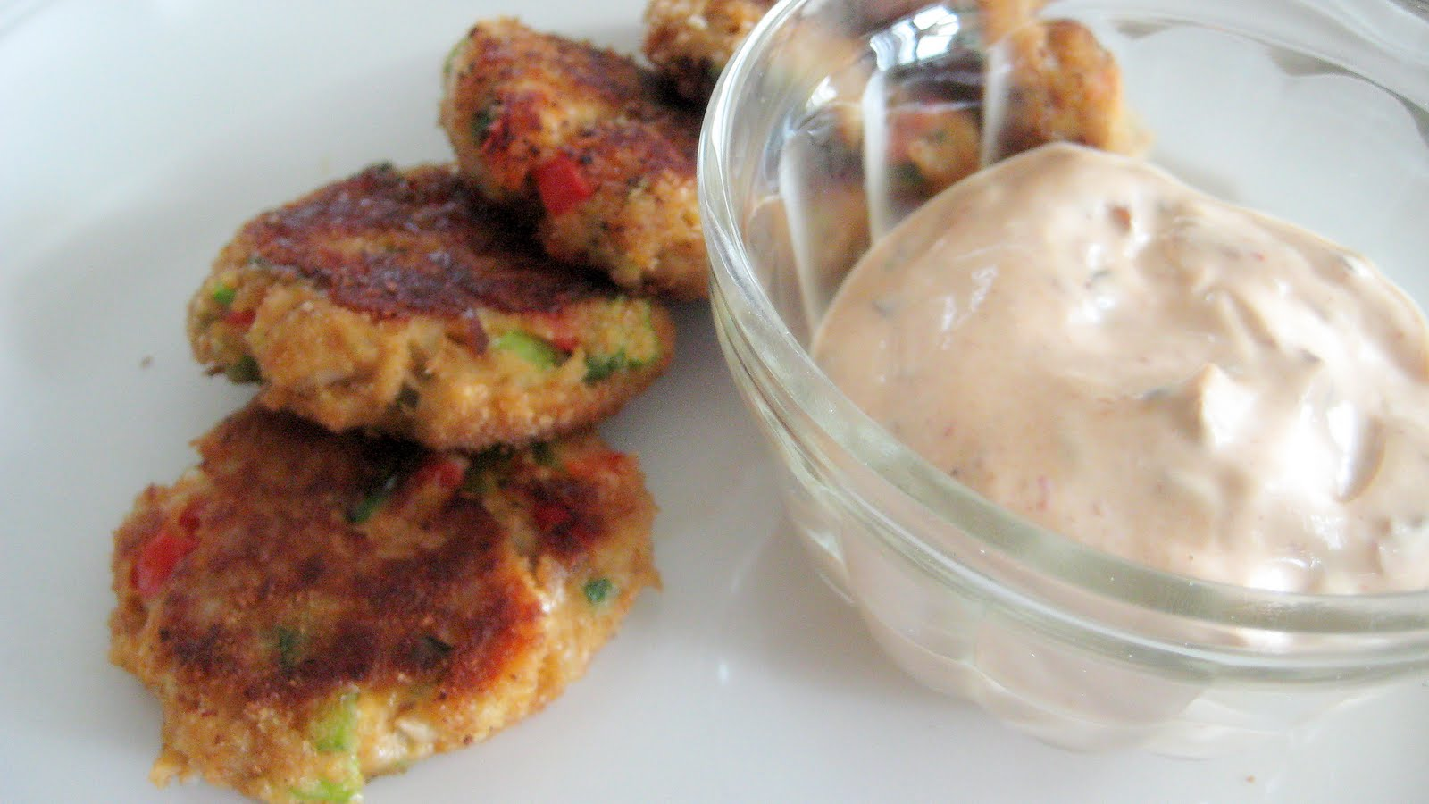 crab cakes with horseradish dill tartar sauce hot for food crab cakes ...