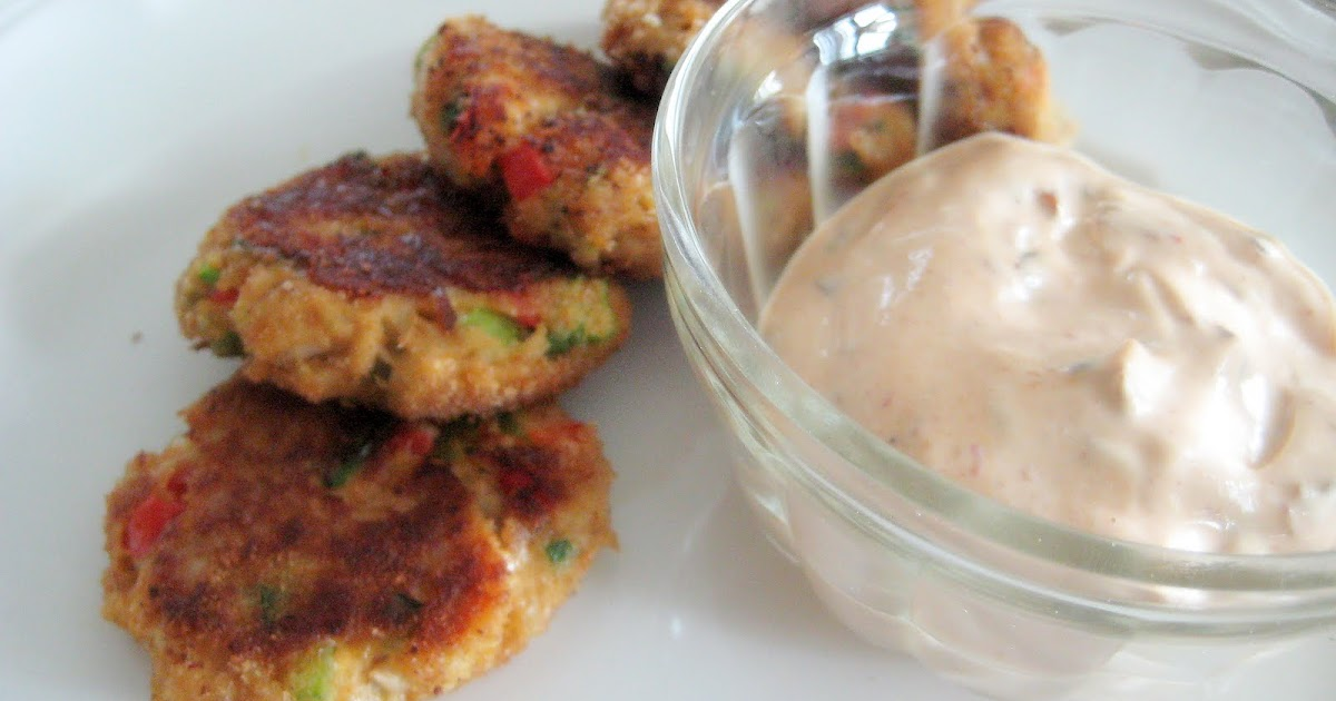 Easy Crab Cakes With Remoulade Sauce