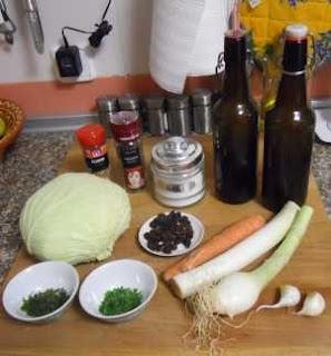 Ingredientes para la col con pasas.