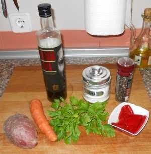 Ingredientes para la alfombra de patata, zanahoria y piquillos.