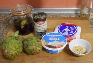 Ingredientes para las alcachofas rellenas de mascarpone aderezado.