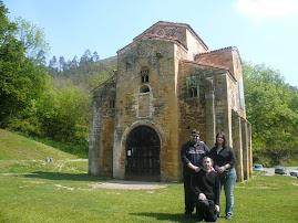 Los tres hermanos en Oviedo