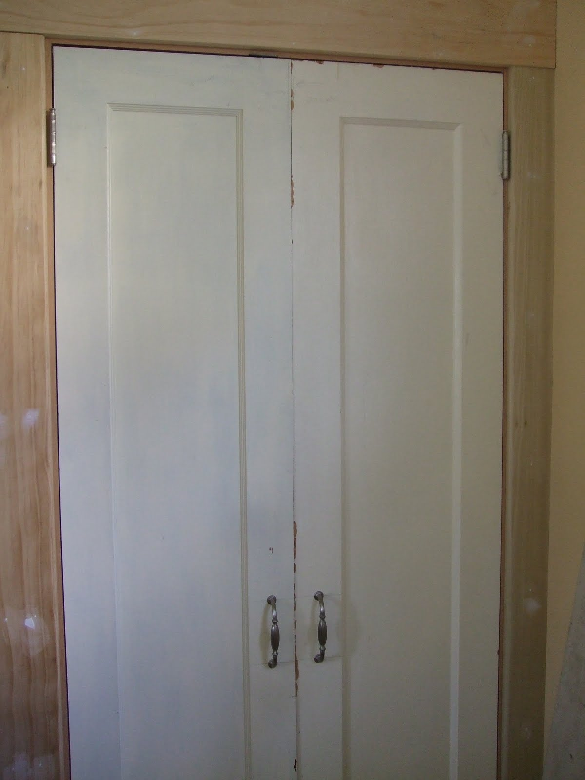 The smiths pantry door frame and trim for 18 door