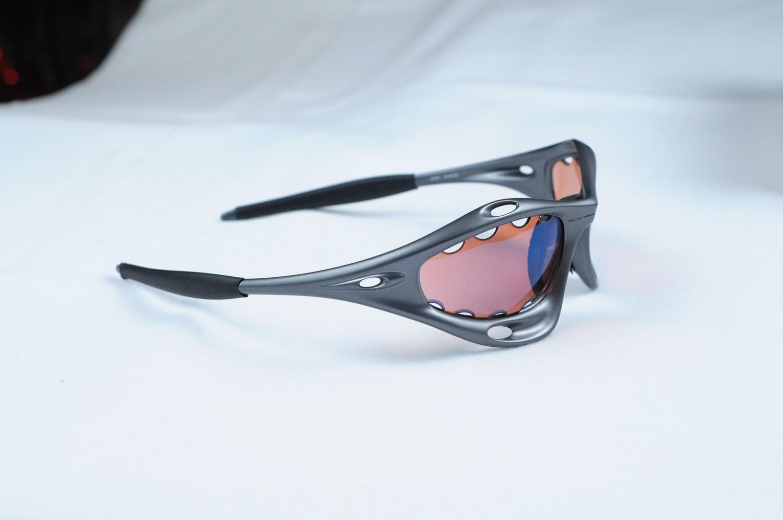 Oakley Gauge 8 >> Oakley Saint: Racing And Water Jackets