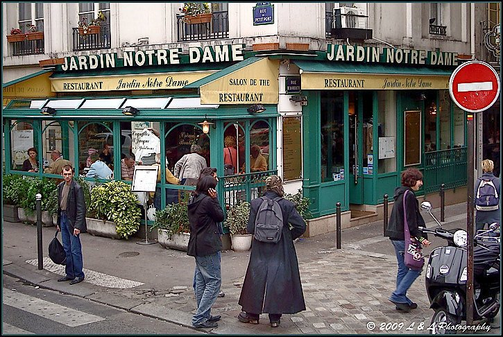 Paree photos of the city of light june 2009 for Restaurant paris jardin