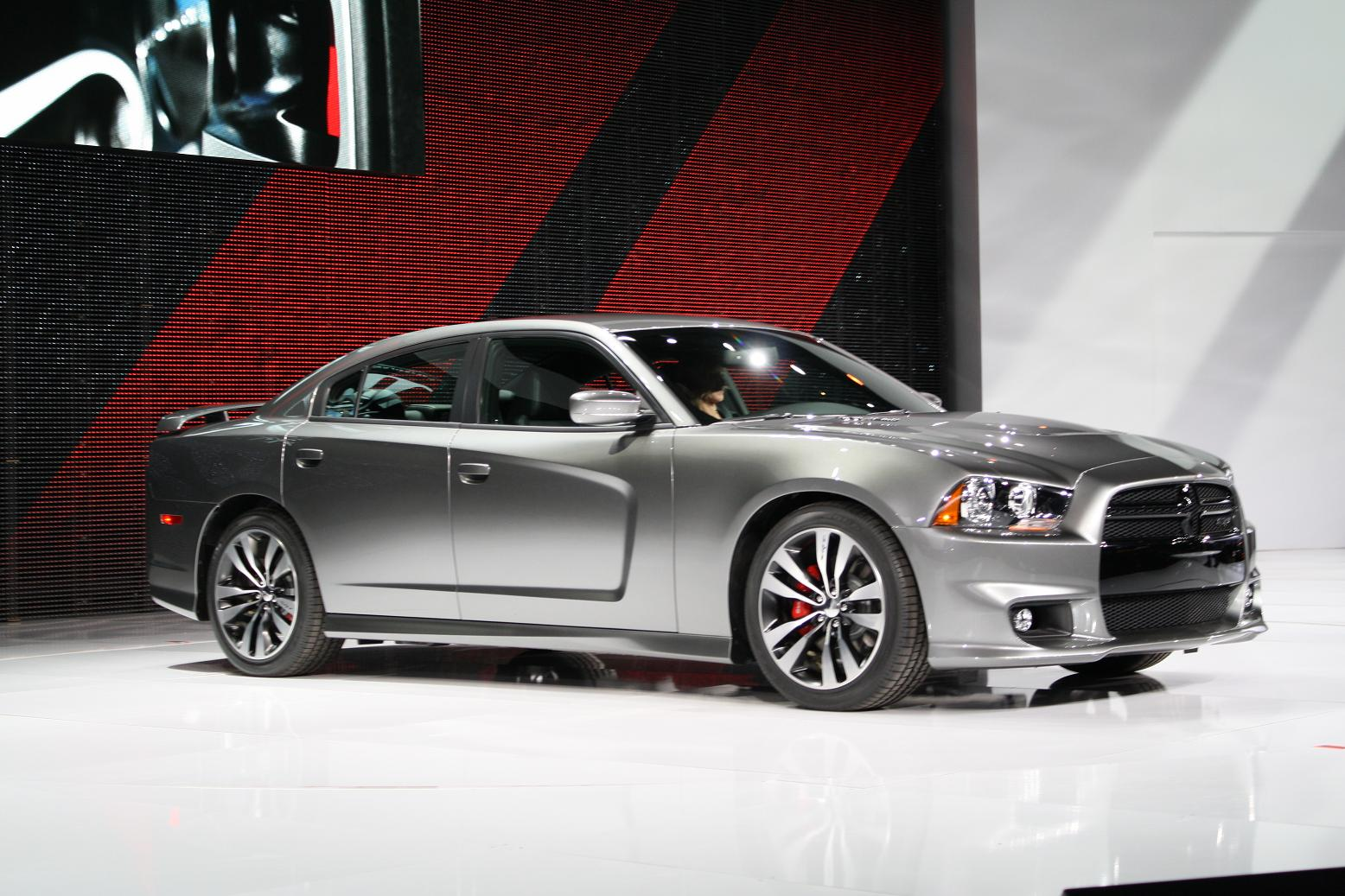 clutch drop dodge charger srt8 returns for 2012 model year. Black Bedroom Furniture Sets. Home Design Ideas
