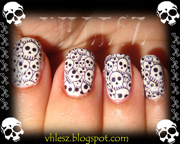 colorful nailart skull