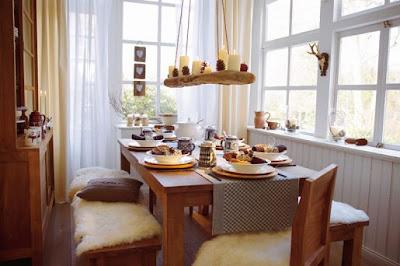perabot dan dekorasi rumah: mengatur meja makan
