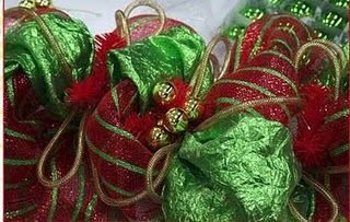 Wreath Ideas Using Deco Poly Mesh Netting.