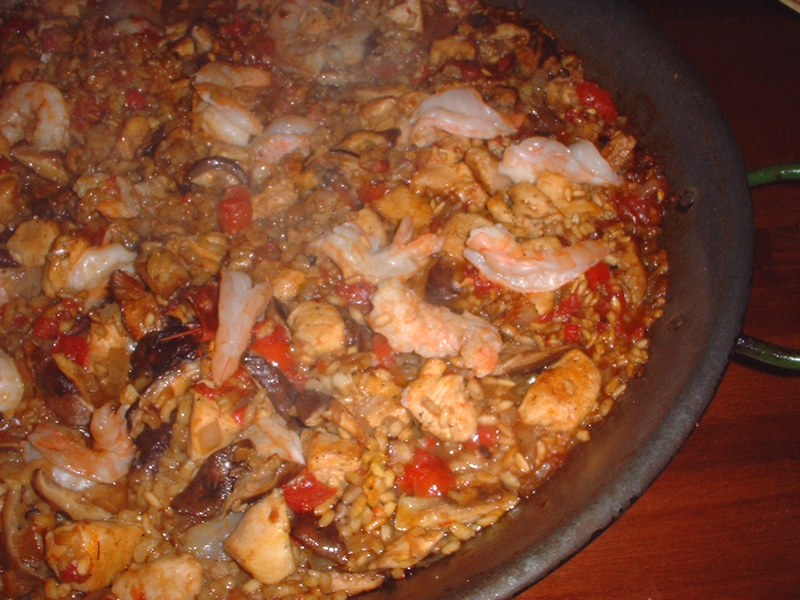 Part 1: Paella with Chicken, Mushrooms and Shrimp from Bon Appetit ...