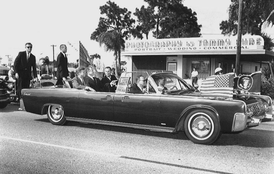 "11/18/63, Tampa, FL: THE AGENTS WERE NOT ORDERED OFF THE CAR BY JFK'S ""ORDER""!"