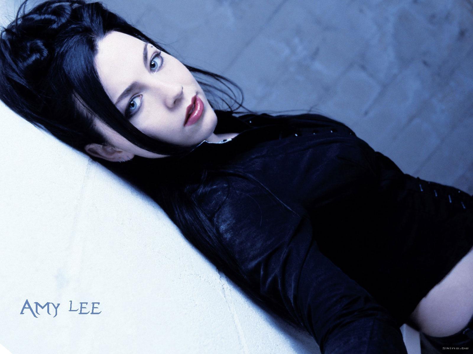 http://1.bp.blogspot.com/_abKa0To9YEI/TATpmeAZG9I/AAAAAAAAADw/J9v3wx4wPTw/s1600/Amy-Lee-1.jpg