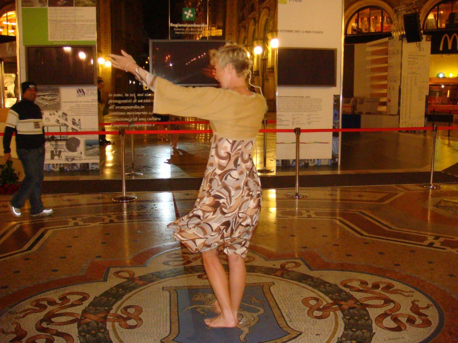 http://1.bp.blogspot.com/_abWaBL6y_R0/TFxCPhdAFwI/AAAAAAAAALw/5wn5JZW_i1g/s1600/K+Bull+Dancing.JPG