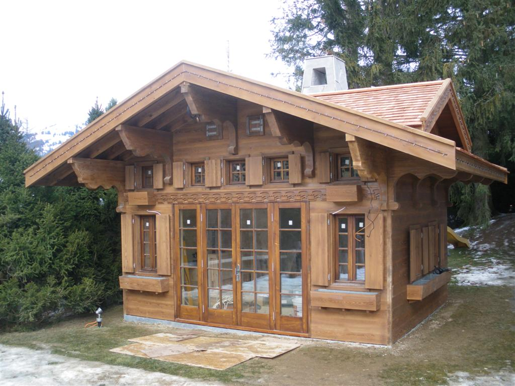 Houses bldgs on pinterest swiss chalet chalets and for Chalet homes