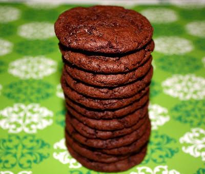 Cocoa Fudge Cookies | Chocolate Cookie Recipe | Two Peas & Their Pod