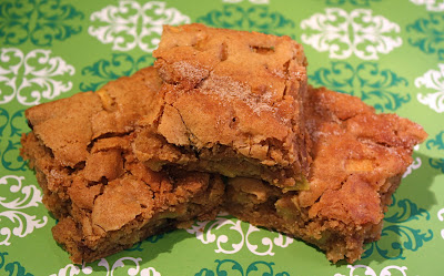 Apple Cinnamon Cookie Bars | Two Peas & Their Pod