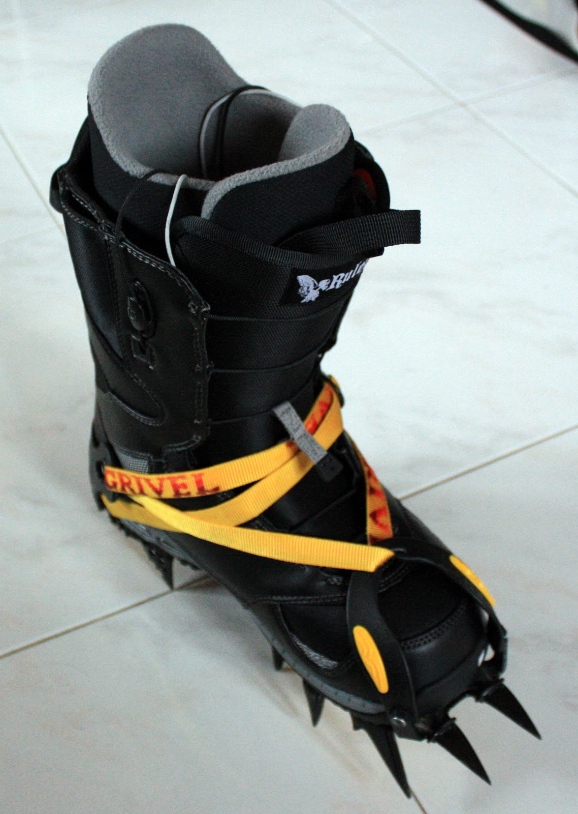 how to choose snowboard boots