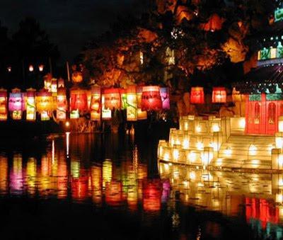 http://viajeindochina.com/destinos/vietnam/hoi-an.html