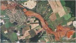 Bể chứa bùn đỏ bị vỡ và đường chảy
