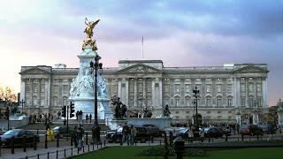 London sights buckingham palace