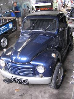 Mobil Antik Kuno Indonesia