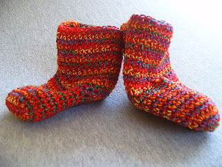 Easy Toe Up Socks Knitting Pattern | Momogus Knits | instant PDF