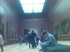 Dalam Louvre di Paris