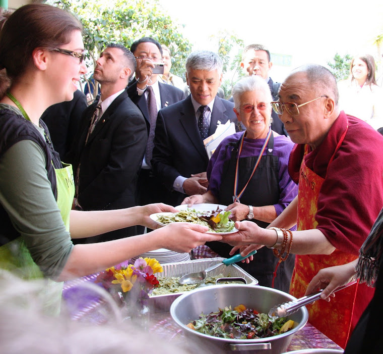 His Holiness serving lunch!