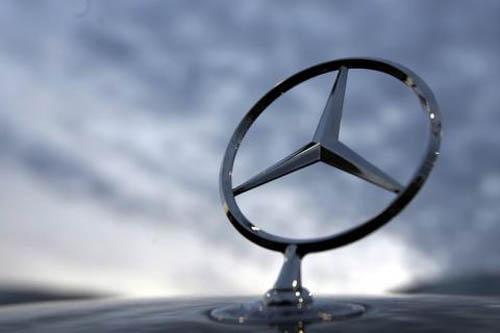 Blog do moquenco mercedes benz busca loucamente um slogan for Mercedes benz slogan