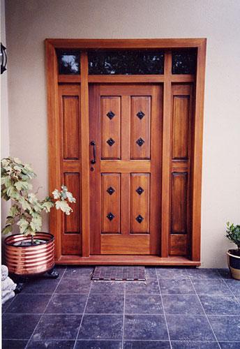 Puertas de madera portones puertas de madera for Puertas de madera para garage
