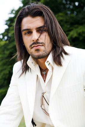 Men's Fringe Hairstyles: Men's fringe cut comes. Long Hairstyles for Men