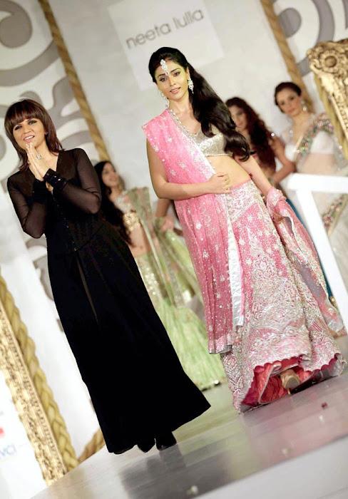 shriya saran on rfor bridal fashion week actress pics