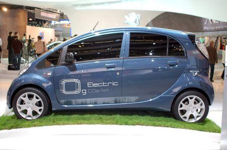 auto elettrica Peugeot iOn