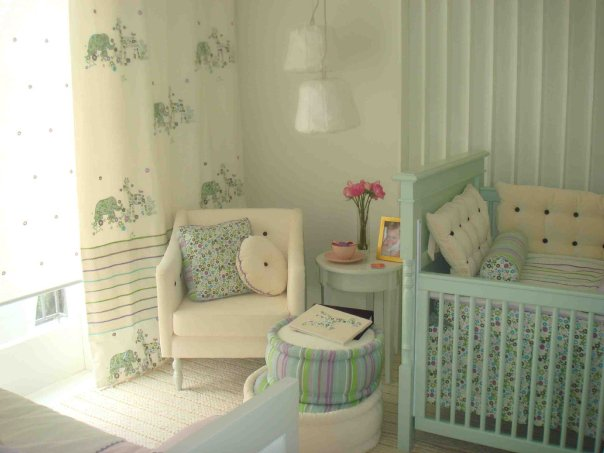 Decoração de quarto de bebê em verde água Bebê com Estilo