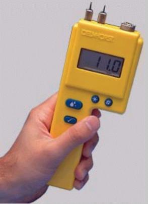 Микроконтроллер основе схемы для большей точности и надежности Три шкалы...