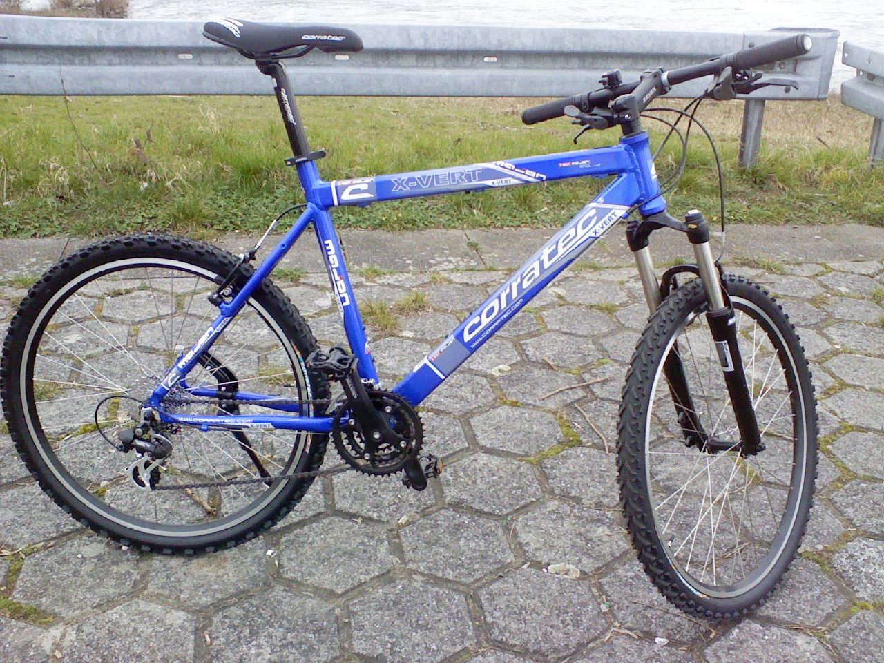 CORRATEC Somo Mayon X-Vert - 2 blaue Mountainbikes - 55cm u. 52cm ...