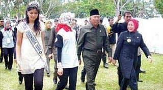 Carmuk Airin Rachmi Diany ke Presiden SBY & Bu Ani SBY