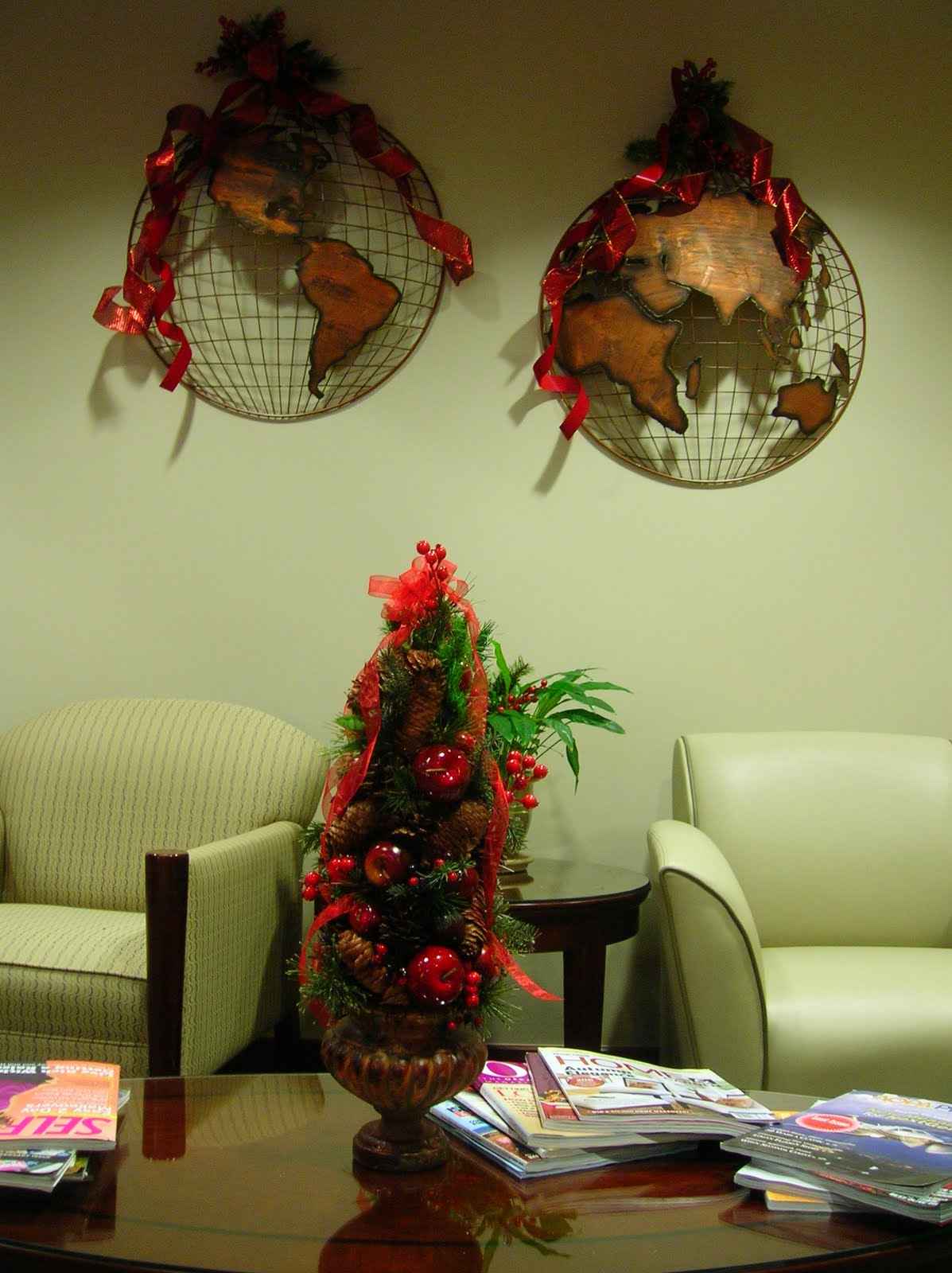 creative juice: Office Holiday Decorating