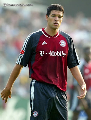 HOT AS FUCK BLOG: Footballer Michael Ballack Bulging Shorts