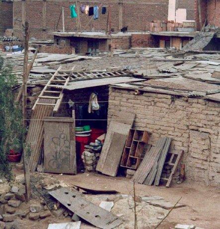 la pobreza en el perù