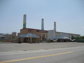 位於澎湖縣湖西鄉尖山村29號之2的台電尖山電廠及三根煙囪