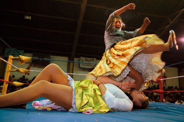 Female professional wrestling in Bolivia
